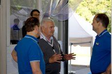 BHKW-Betreiber im Gespräch mit Service-Mitarbeitern